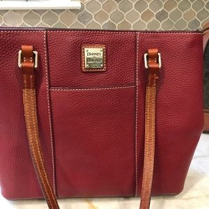 Dooney and Bourke tote like new